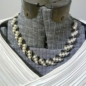 Vintage Gold and Pearl Necklace